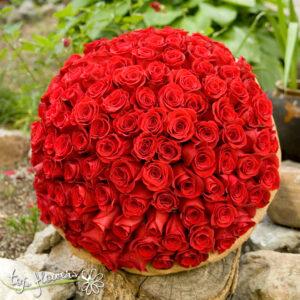Букет 101 Изящни Червени Рози