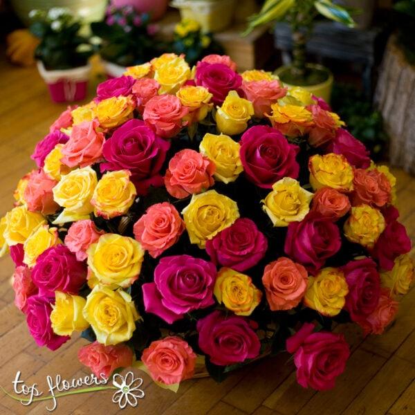 Кошница 101 рози в пастелна гама