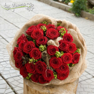 Round bouquet of 31 red roses