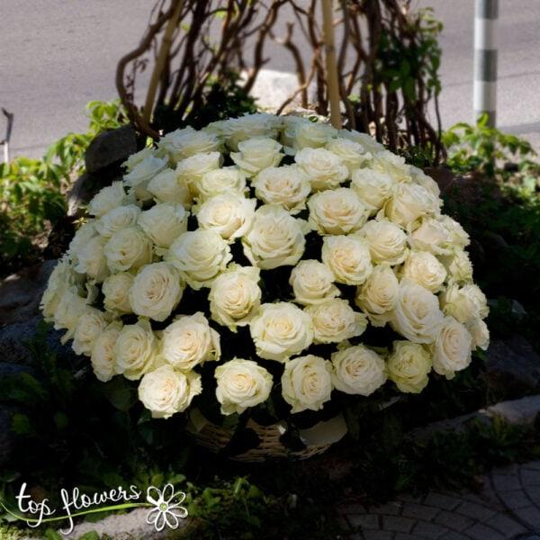 Basket 101 White Roses
